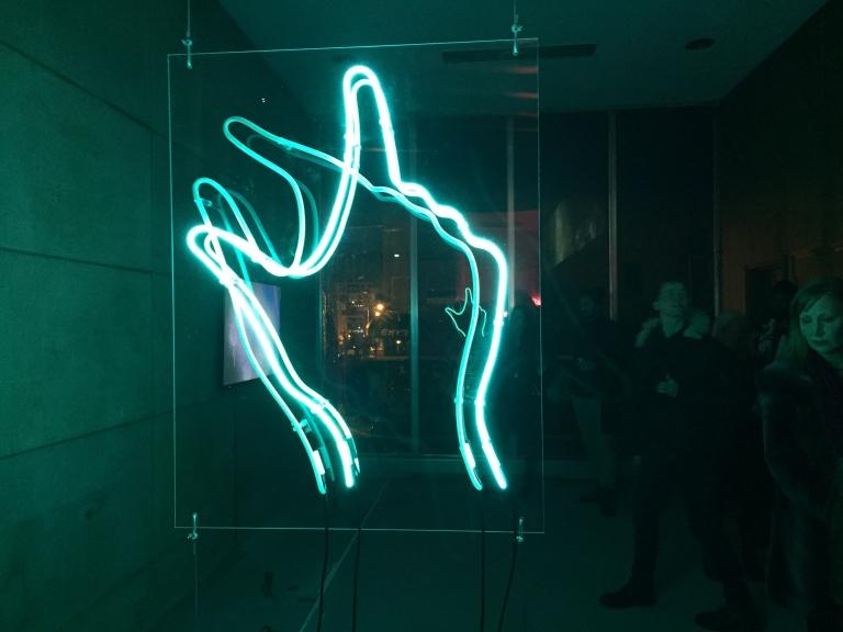 Pinch-Zoom, neon